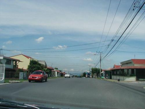 caminos hacia el hermoso lote de 2000 m2 en Carmen de Guadalupe para venta